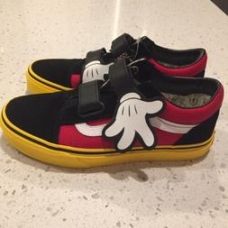 Kids VANS X Disney Shoes Old Skool Kids Size  3 Mickey Mouse