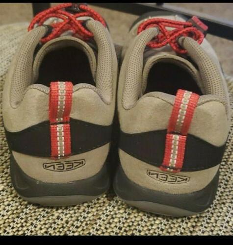 KEEN Red Kids Size 2 Active